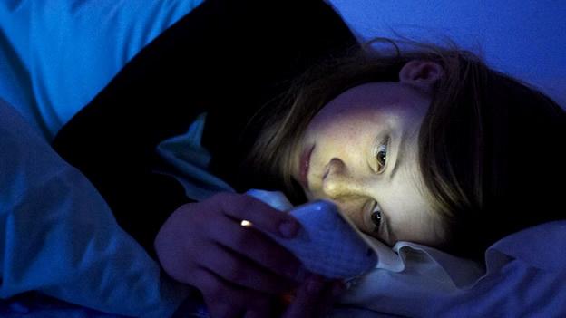 dormir con el movil