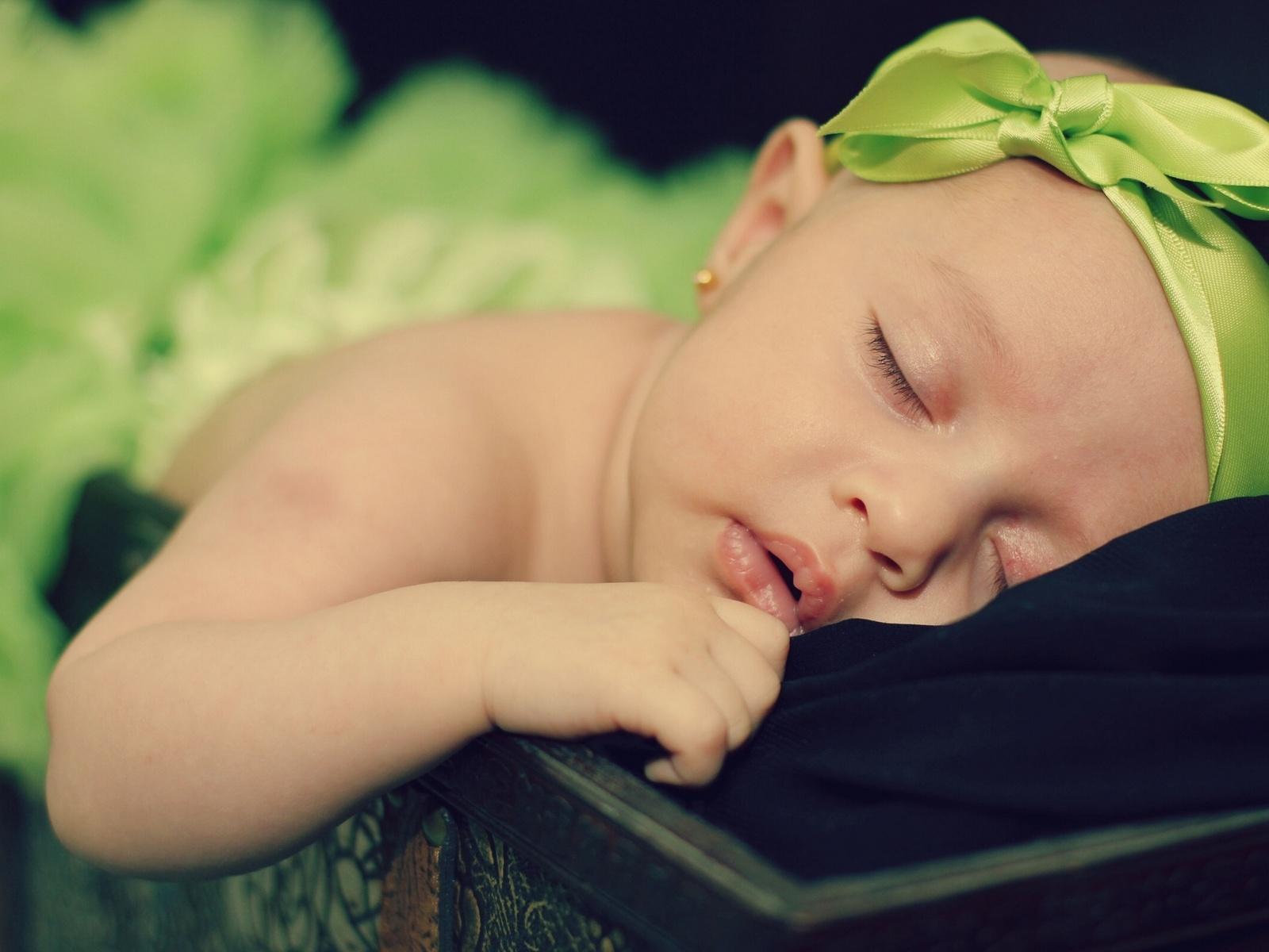lindo bebe durmiendo