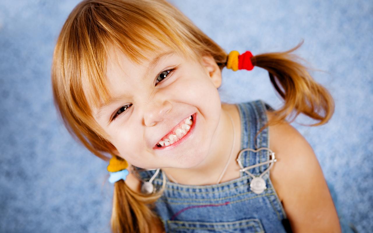 niña sonriendo